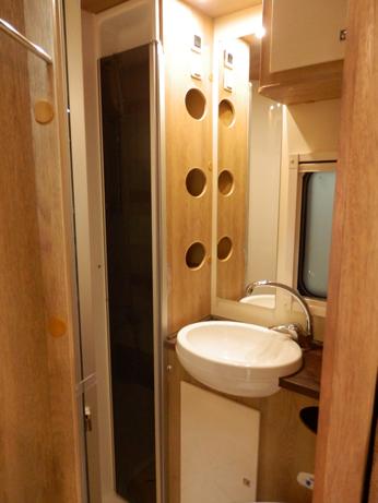 badkamer met separate douche