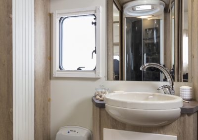Sun Driver T 570 separaat ruime badkamer