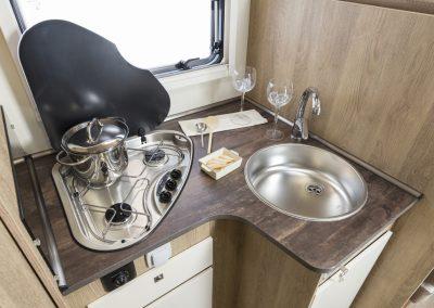 Sun Driver T 570 luxe keuken met extra plek voor koffie apparaat