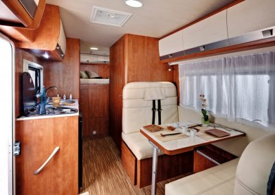 SUN DRIVER A 692 interieur en keuken