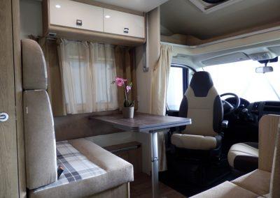 Sun Driver T550 - 5 persoons luxe en lichte dinette