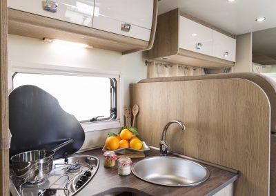 Campers Brabant foto | Sun Driver T580/T595 keukenblok