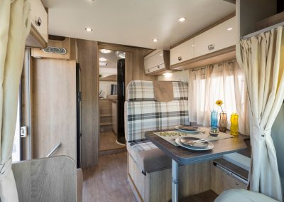 Campers Brabant foto | Sun Driver T580/T595 licht en ruim interieur