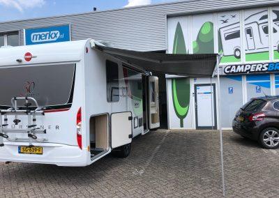 Burstner+luifel voor campers Brabant pand