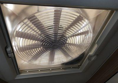 Burstner: badkamer met ventilator